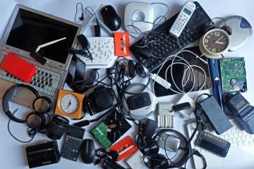 Cum scapi de echipamentele electrice și  electronicele vechi?
